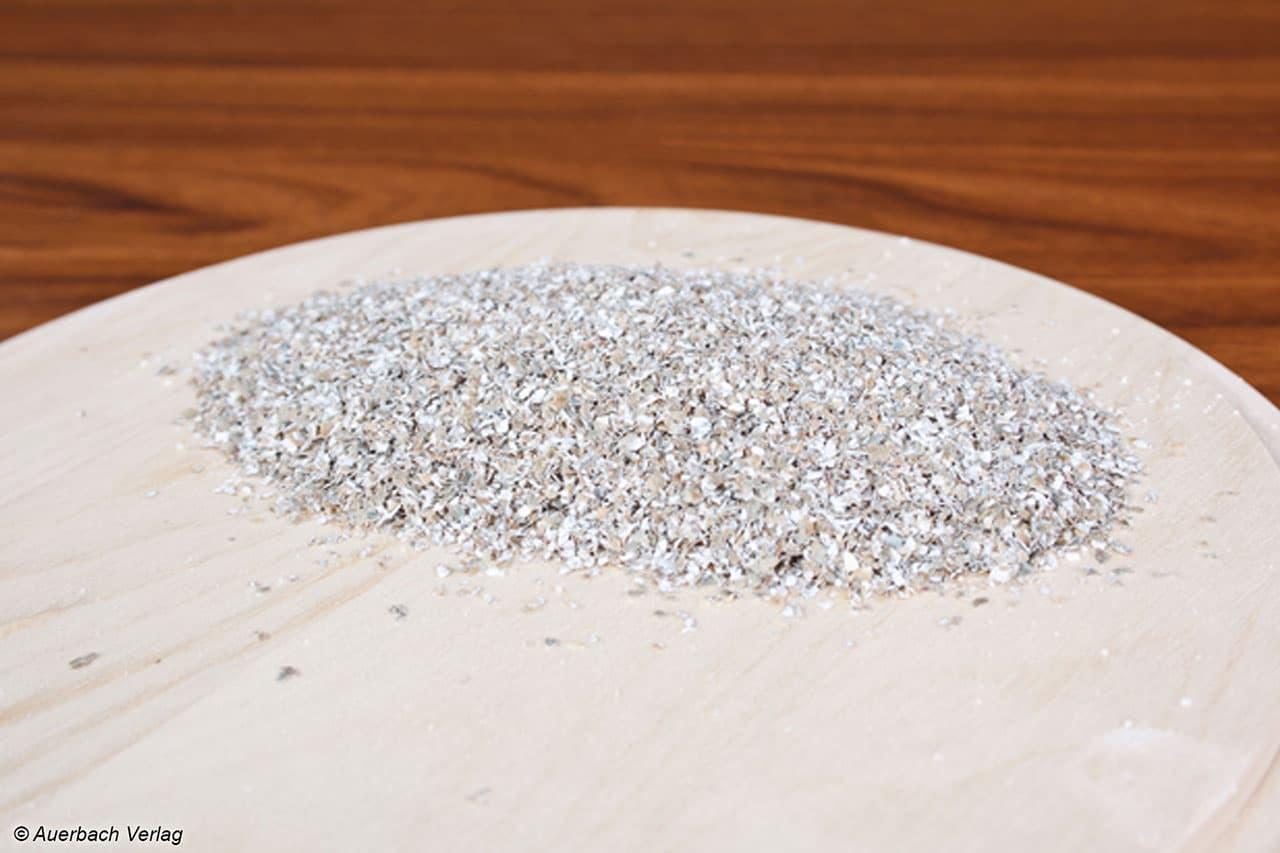 Kein Abfall, sondern der gesündeste Teil des Korns: Roggenschrot eignet sich hervorragend für Panaden und auch für Brote, die hierdurch etwas luftiger werden