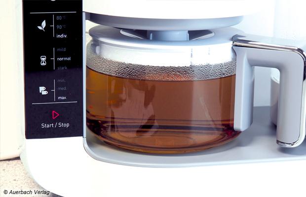 Nachdem der Tee aufgebrüht ist, schaltet der TM 8280 w automatisch in den Warmhaltemodus. Der Anwender kann dies an der rot beleuchteten Start/Stop-Taste erkennen