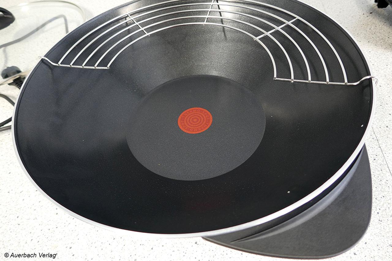 Der Tefal-Wok ist zur Anzeige der optimalen Temperatur mit einem Thermospot ausgestattet