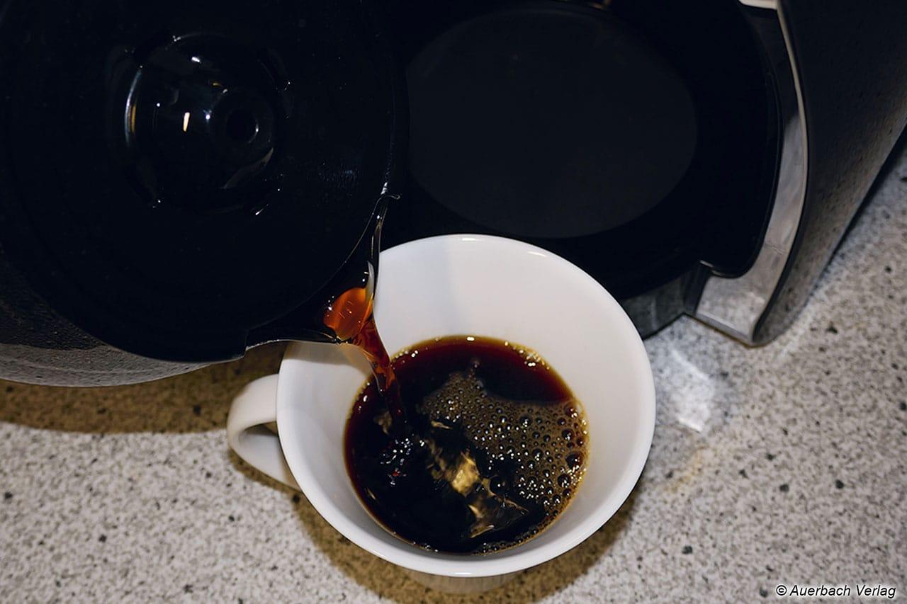 Keiner mag Kaffeeflecken auf der weißen Tischdecke. Deswegen wurde jede Kanne hinsichtlich ihrer Tropffreiheit getestet