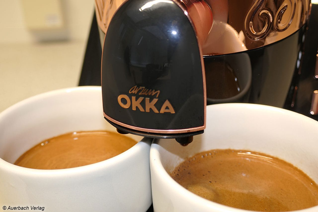 Auch bei der 2-Tassen-Funktion gibt sich der Okka jedenfalls keine Blöße. Die Füllmenge ist nahezu identisch