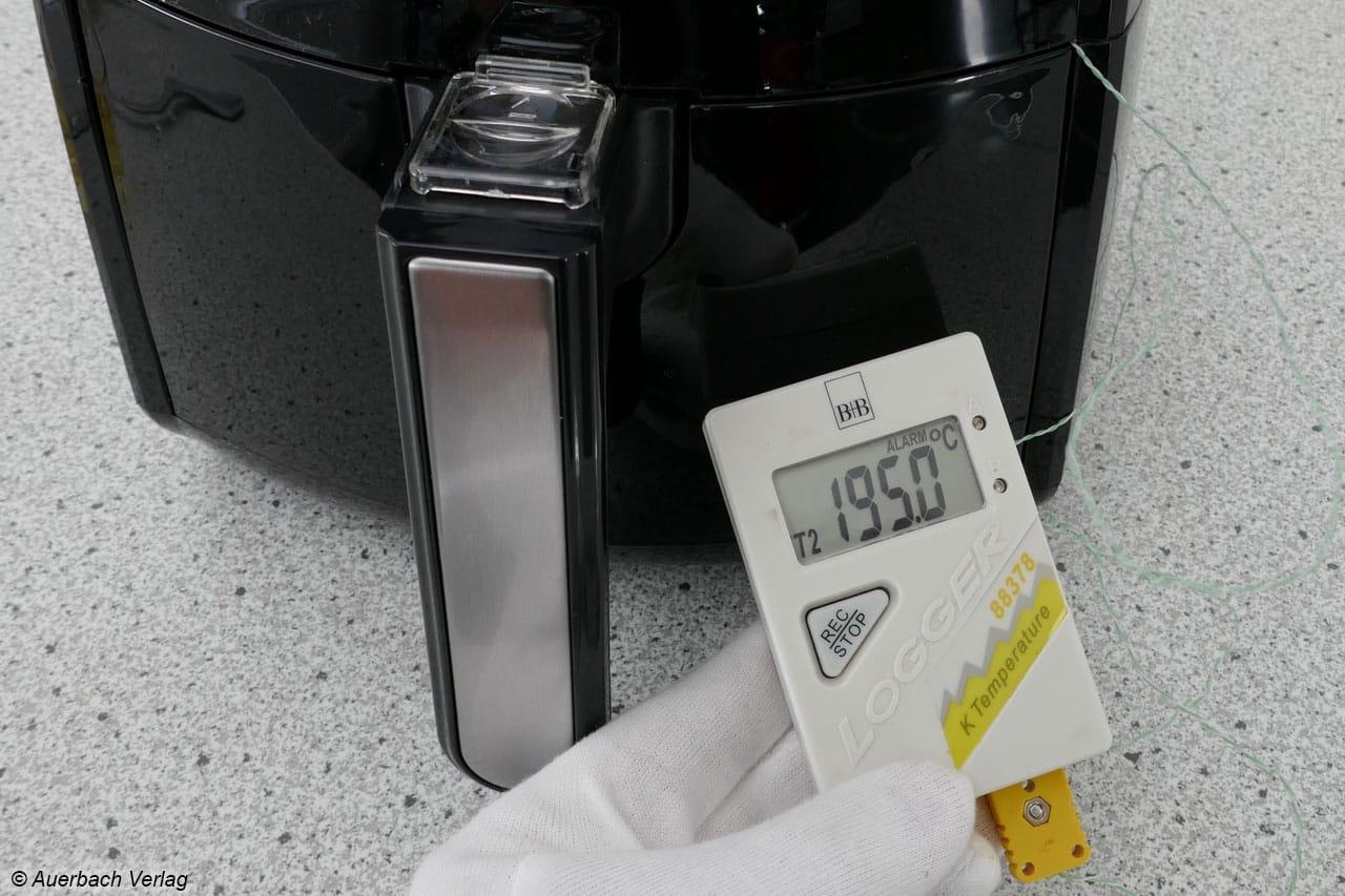 Die reale Luft-Temperatur liegt da, wo sie liegen soll (z.B. reale 195 statt eingestellter 200°C), das Thermostat arbeitet präzise und zuverlässig