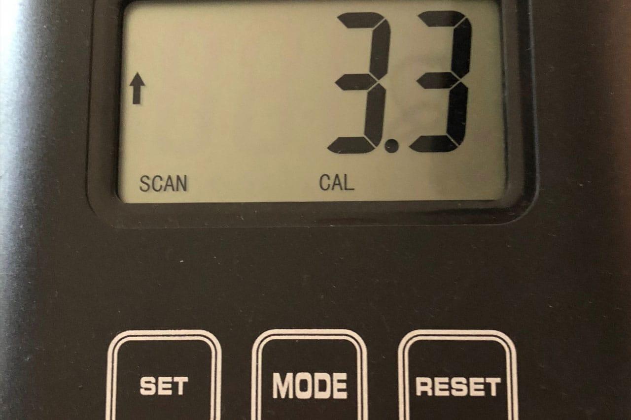 Das Display des NX-1080 zeigt alle wichtigen Werte an, der Computer wird per Touch-Tasten bedient