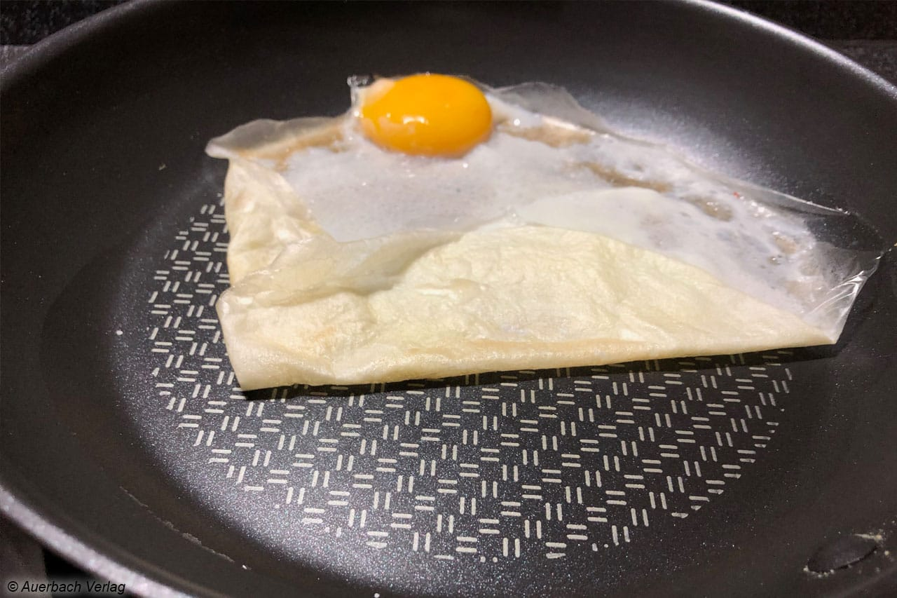 Der Anback-Test mit dem Spiegel-Ei gelingt ohne Abzüge, das Eiweiß löst sich wie von selbst