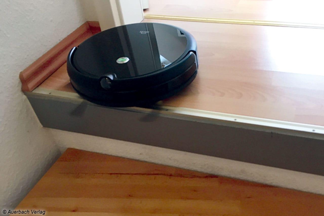 Fallschutz an Absätzen, Treppen etc. sind selbstverständlich bei diesem smarten Aufräumer
