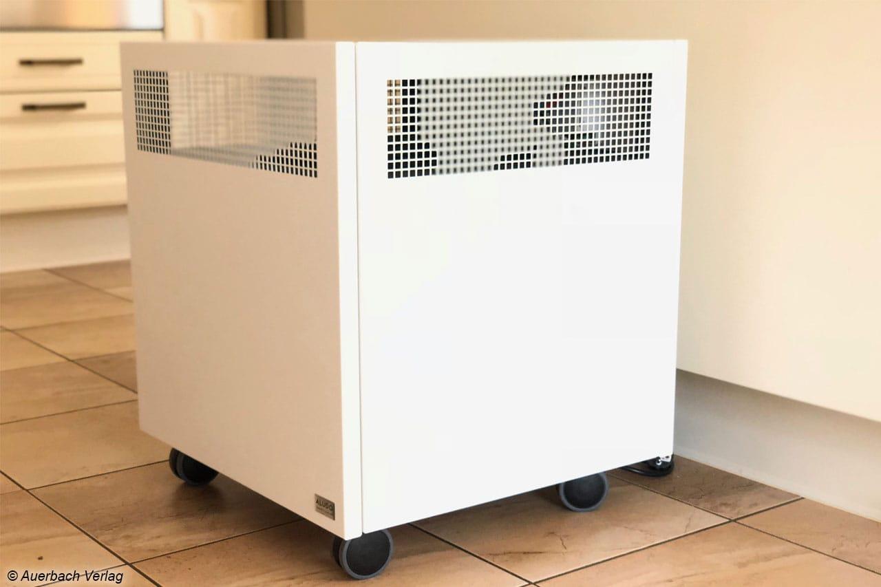 Der 20kg schwere Aludo fährt sicher auf Rollen und kann mit optionalen  Abdeckplatten aufgerüstet werden