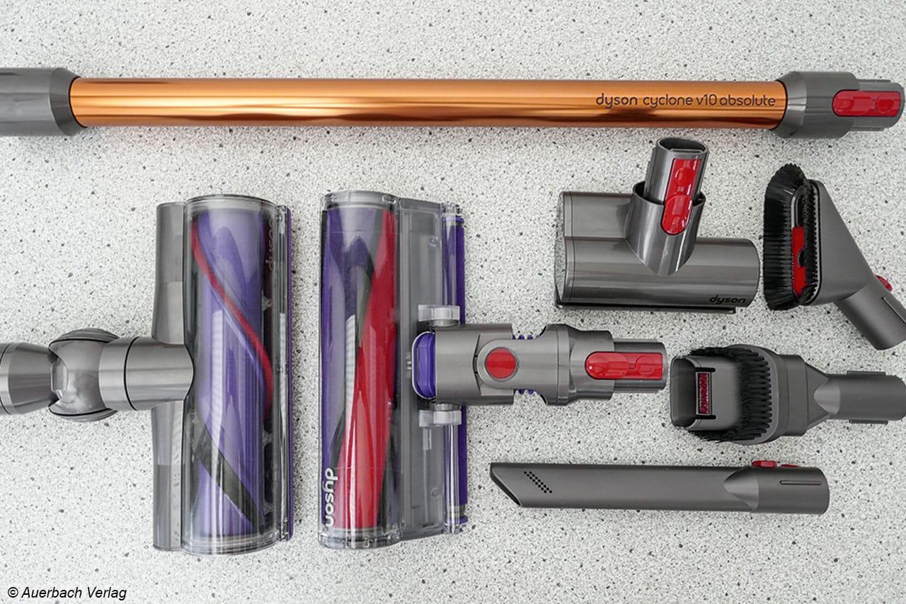 Beim Modell von Dyson werden sechs verschiedene Düsen mitgeliefert, von denen drei mit einer Elektrobürste ausgestattet sind. Da hat man die Qual der Wahl