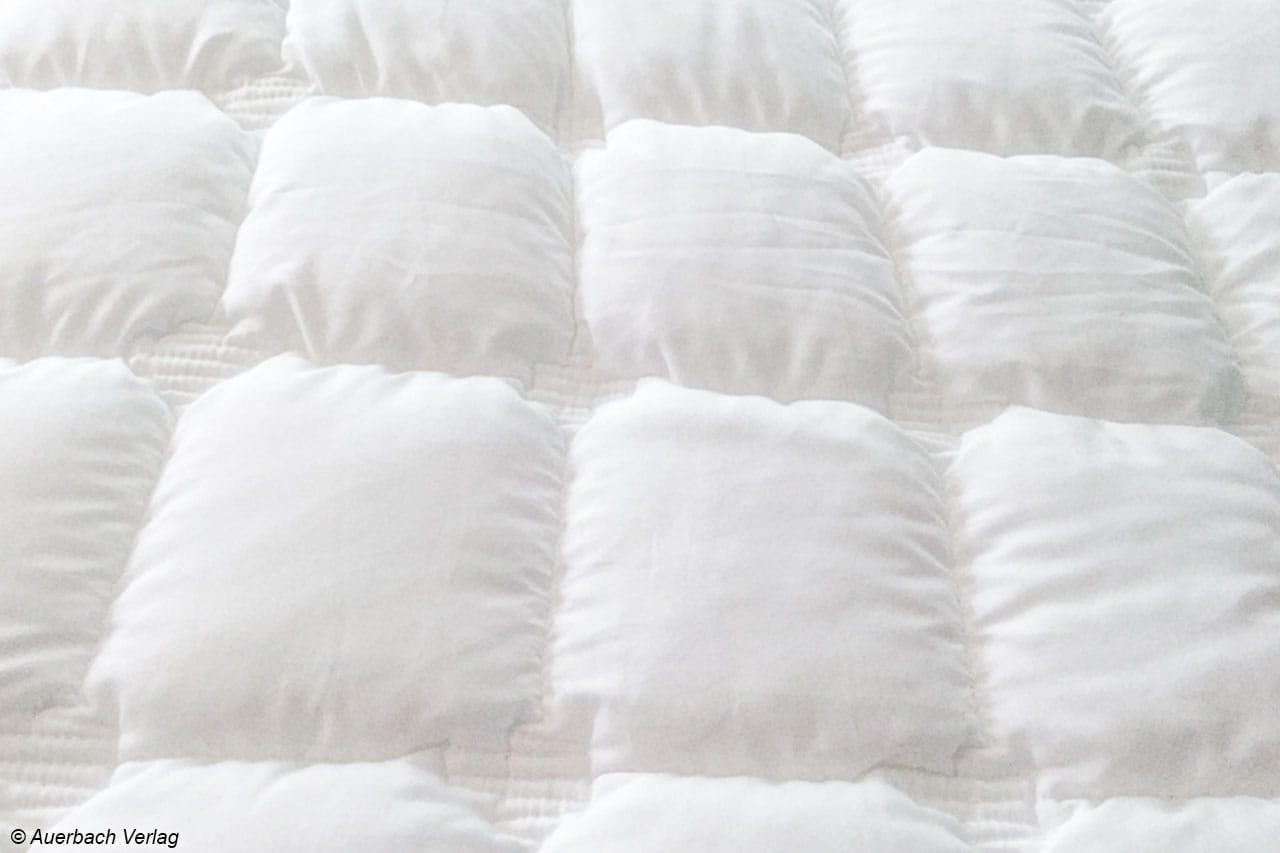 Der Bettdecken-Bezug ist äußerst anschmiegsam, auch dank der tollen Steppung