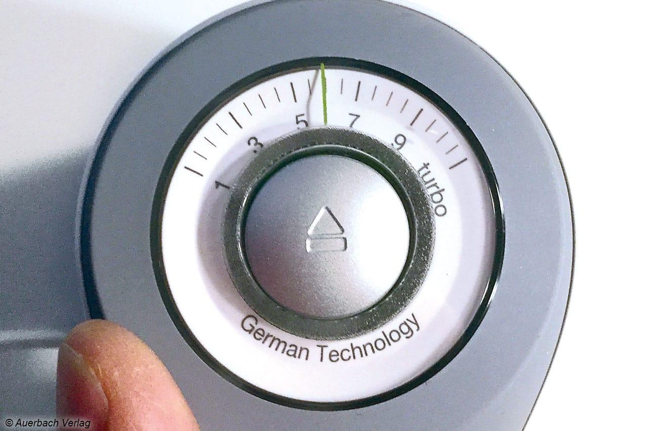 Der Drehregler VarioControl von Braun zur Geschwindigkeitsanpassung am Mixer lässt sich bequem mit einer Hand bedienen