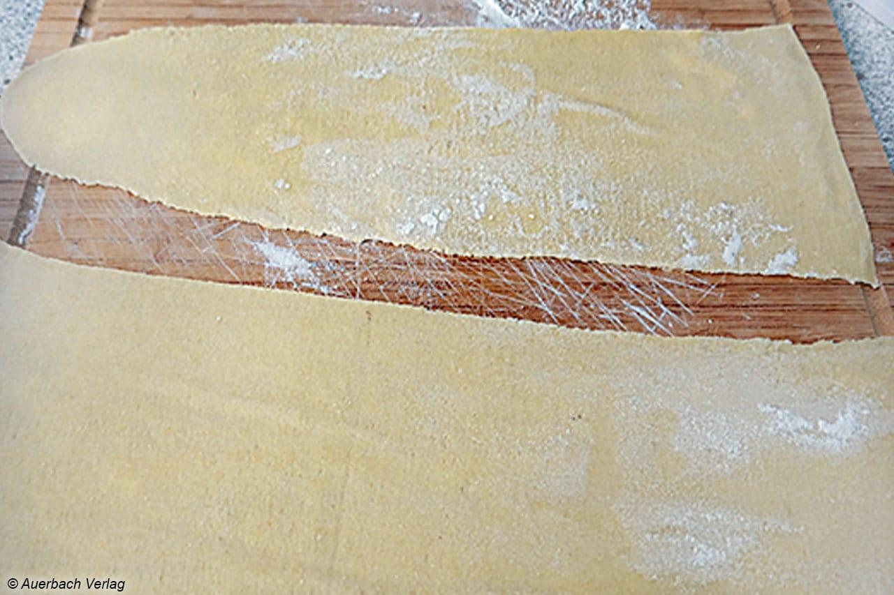 Die Lasagneplatten können in neun Stufen von kräftig bis hauchdünn gewalzt werden
