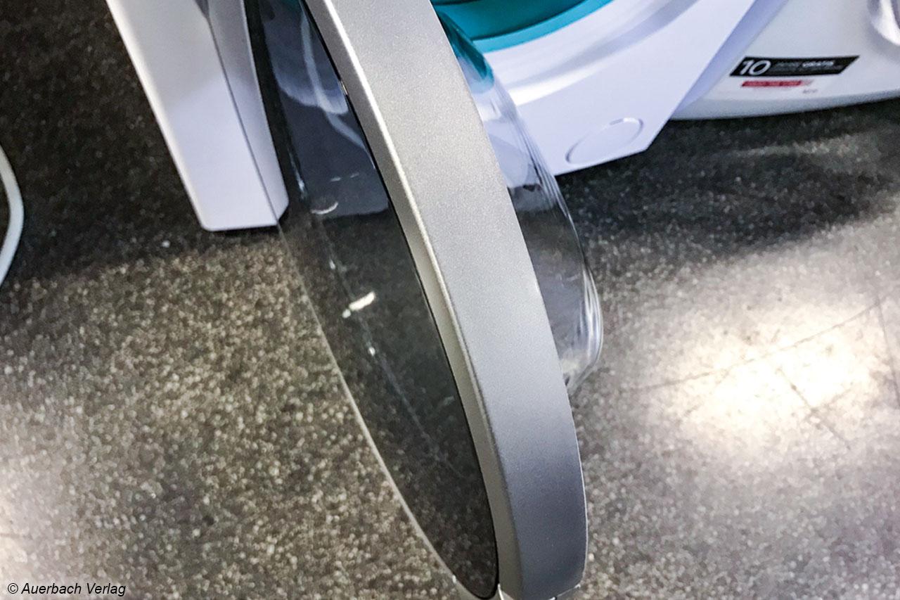 Verletzungsgefahr: Trotz Schutzscheibe werden die Türen der Geräte bei der Kochwäsche teilweise über 60 Grad heiß