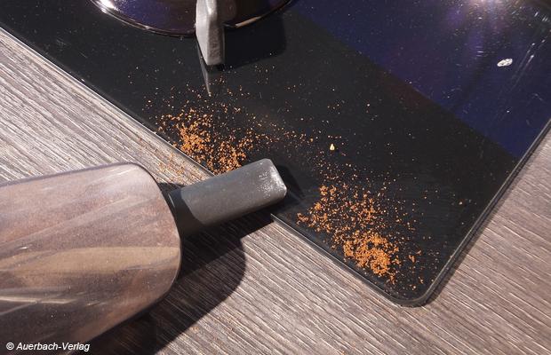 Nicht nur für Polsterritzen, sondern auch für ganz feine, nur schwierig zu reinigende Ritzen und Spalten (z.B. in der Küche) ist die Fugendüse die optimale Wahl