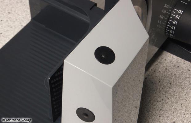 Simpel, funktional, mit einem guten Druckpunkt versehen: Die kleinen Schalter sitzen ergonomisch am Gehäuseende, sind gut erreichbar und ermöglichen den Puls- und Dauerbetrieb