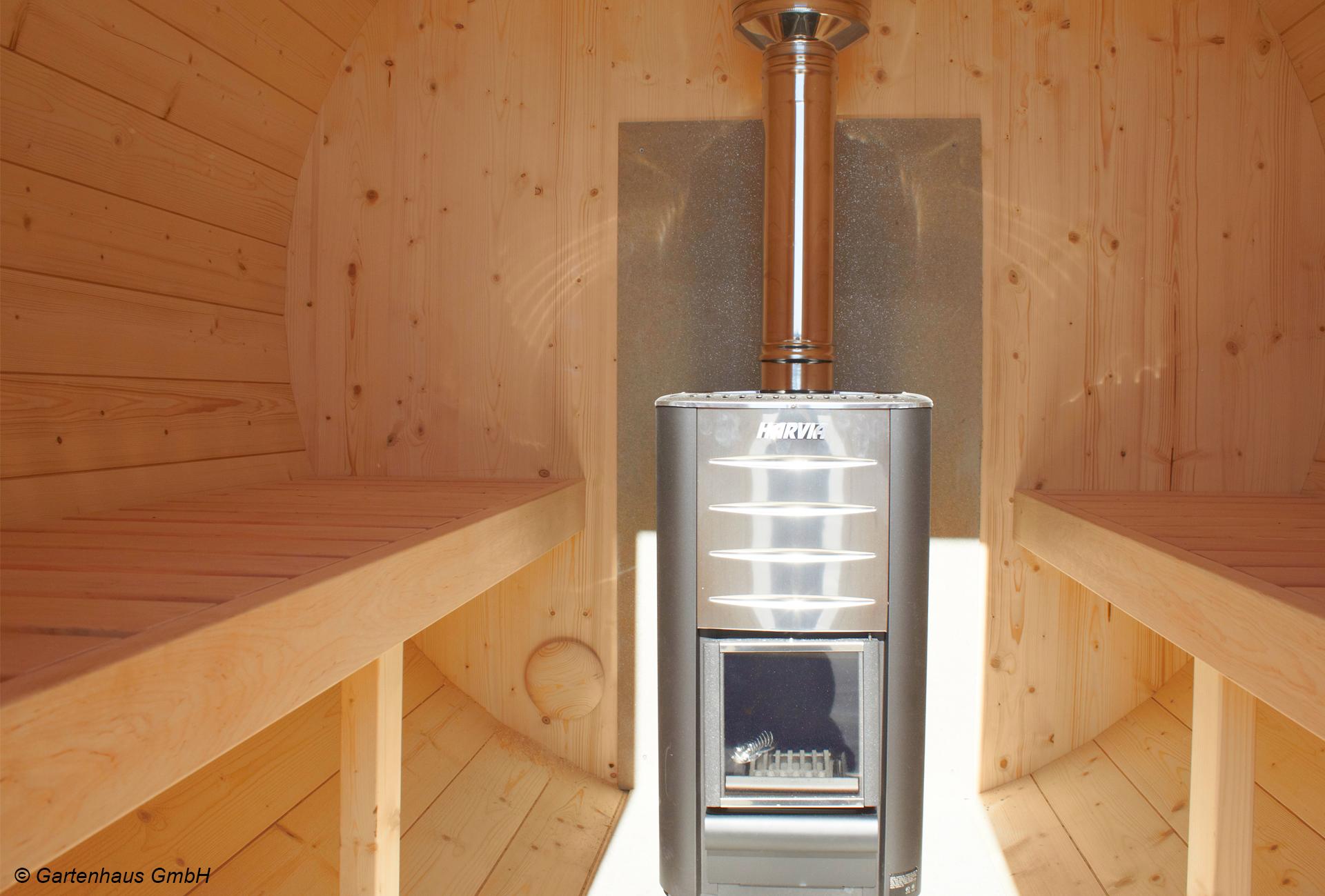Harvia Holz Ofen im Innenraum