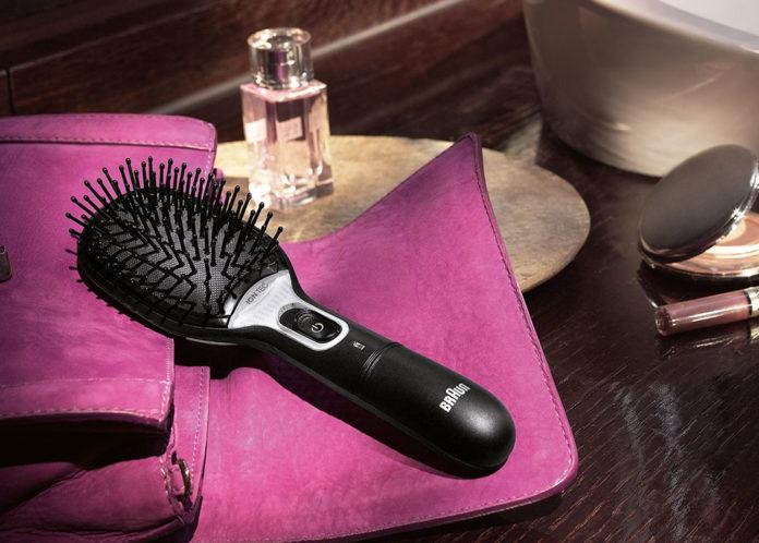 Die Braun Satin Hair 7 IONTEC Haarbürste ist die erste Bürste der Welt mit aktiven Ionen