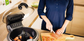 Bei der Zubereitung mit ActiFry benötigt man nur ein Minimum an Öl – so lassen sich viele Speisen besonders fettarm zubereiten