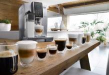 Bis zu 14 verschiedene Kaffeevariationen lassen sich mit dem neuen Vollautomaten von De´Longhi zubereiten. Das Sensorbedienfeld mit Touchfunktion macht das zum Kinderspiel