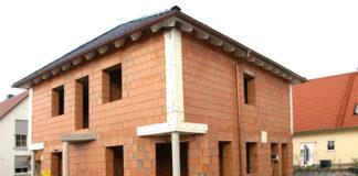 Massivhäuser aus Ziegelmauerwerk gewährleisten besten Wärmeschutz und gutes Raumklima