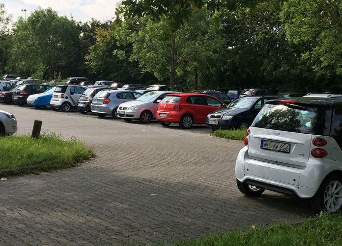 Smartphone-App als Stellplatzlotse für freien Parkplatz