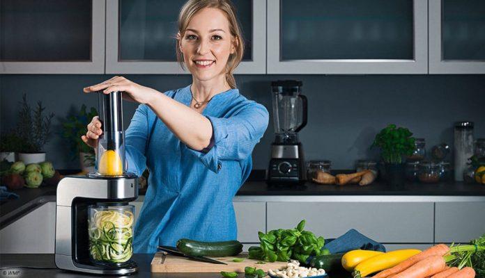 Der KULT X Spiralschneider von WMF wird mit einem neuen, extra erhältliches Zubehörset für die vegane und vegetarische Küche ergänzt