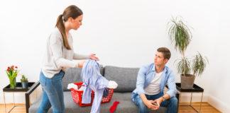 Streit über die Hausarbeit gibt es laut einer repräsentativen Studie in fast jeder Beziehung