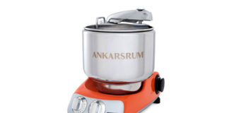 Die Assistent Original von Ankarsrum war Schwedens allererste Küchenmaschine und ist heute ebenso beliebt wie damals