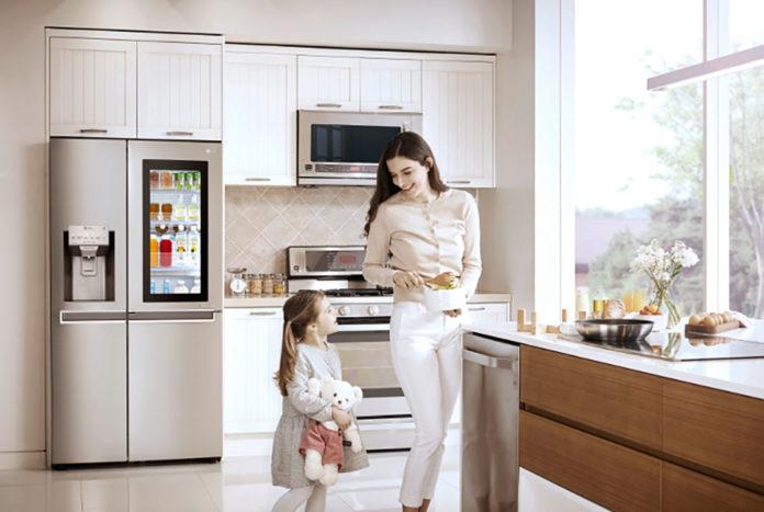 Side By Side Kühlschrank In Küche : Instaview door in door kühlschrank jetzt im handel u haus garten