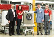 Made in Germany: Die robusten Waschmaschinen für den Einsatz in Gewerbebetrieben werden im Miele-Werk Gütersloh von engagierten Mitarbeitern produziert