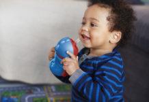 Der Gesundheitskonzern Philips hat neue Modelle seiner Avent Becher mit flexiblem Strohhalm auf den Markt gebracht; mit Griffen für Kleinkinder ab neun Monaten und ohne Griffe für Kinder ab einem Jahr