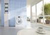 Waschmittel gehören mit Augenmaß in die Waschmaschine
