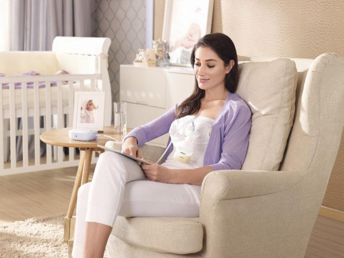 Die neue elektrische Einzelmilchpumpe SCF301/02 von Philips hilft Mutter und Baby beim Stillen