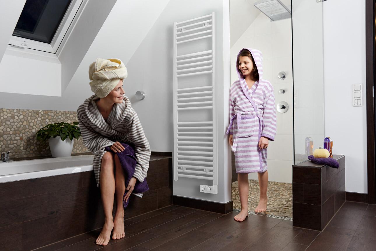 feuchtigkeit im bad w rme mit tipps gegen schimmel. Black Bedroom Furniture Sets. Home Design Ideas