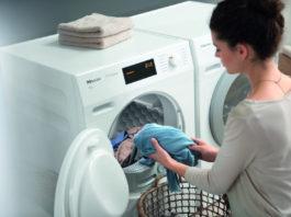 Energiesparen im Haushalt: Dank modernster Technik zählen Wäschetrockner heute längst nicht mehr zu den Energiefressern. Extrem effizient arbeiten Wärmepumpentrockner
