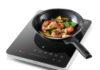 Das neue WMF KULT X Mono Induktionskochfeld ist ideal zum Kochen im Freien und unterwegs