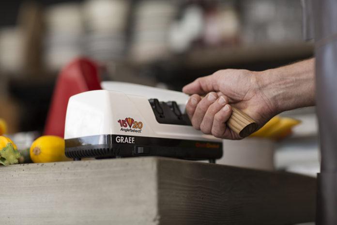 Die Messerschärfer von Graf schneiden Klingen viel genauer und schärfer als vergleichbare Geräte