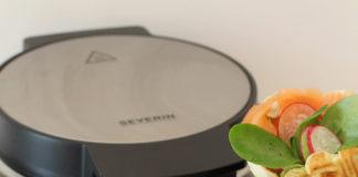 Mit dem modernen Design-Waffelautomat WA 2107 der Gourmet-Serie von Severin ist die Waffel-Zubereitung im Handumdrehen möglich