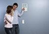 Mit dem Smart Home für gesunden Schlaf: So können Nutzer mit dem myGEKKO Slide für ihre idealen Bedingungen im Schlafzimmer sorgen