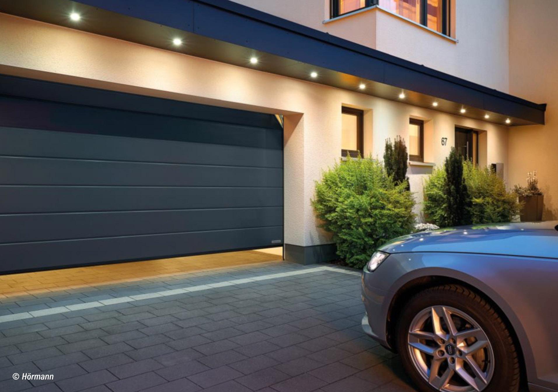 tipps zur auswahl des richtigen garagentors haus. Black Bedroom Furniture Sets. Home Design Ideas