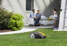Während der Stiga Rasenroboter für kleine Flächen arbeitet, bleibt für die Bewohner mehr Zeit für gemeinsame Momente
