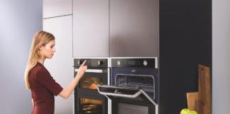 Mit Samsung zum Wohnraum der Zukunft heißt es auch mit dem Dual Cook Flex Backofen NV7000, mit dem dank geteilter Ofentür und teilbarem Garraum zwei Gerichte gleichzeitig zubereitet werden können