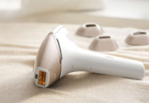 Der Lumea Prestige von Philips sorgt mit Intense Pulsed Light (IPL)-Technologie und innovativen Aufsätzen für seidig glatte, haarfreie Haut