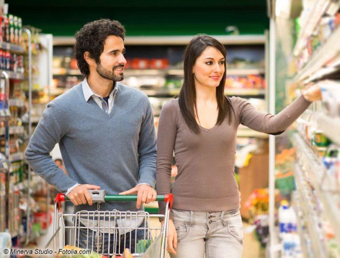 Staubsauger findet man auch im Supermarkt (Bild: © Minerva Studio - Fotolia.com)