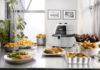 Mit der IdealFry von De'Longhi lassen außer Pommes frites auch Beilagen, Fisch, Fleisch und Pizzen mit weniger Fett und ohne großen Zeitaufwand zubereiten.