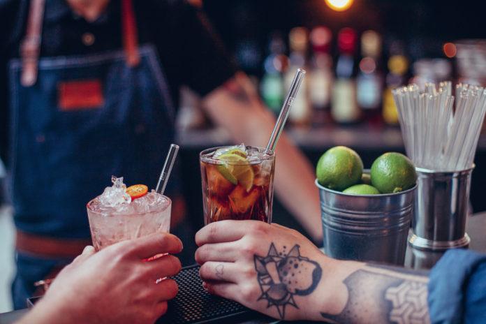 Trinkhalme aus Glas des Berliner Unternehmens Halm werden mittlerweile von mehr als 500 Gastronomiebetriebe deutschlandweit eingesetzt