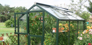 Das Gewächshaus bio-top von Hoklartherm lässt sich beliebig an die jeweiligen Wünsche und örtlichen Bedingungen anpassen