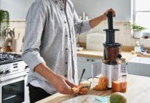 Der PureJuice One von Kenwood verarbeitet Obst und Gemüse in köstliche, gesunde Säfte