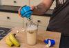 Der InstaMixer von Russell Hobbs verarbeitet schnell und ohne Kraftaufwand Nahrungsergänzungsmittel zu Proteinshakes