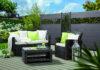 Ein moderner Gartenzaun besteht heute aus farbenfrohen Sichtschutzelementen mit den Board XL-Profilen von TraumGarten