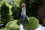 Mit dem passenden Gartengerät wird Heckenpflege zum Kinderspiel