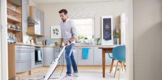 Der Dampfreiniger CleanTenso von Leifheit ist für alle Fußböden in der Wohnung geeignet.